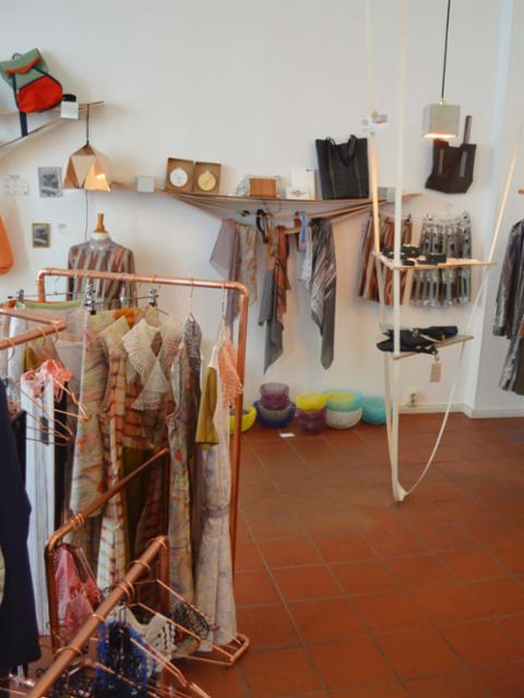 Bilder aus dem Laden Linie Clara Kaesdorf - Berlin | nagame